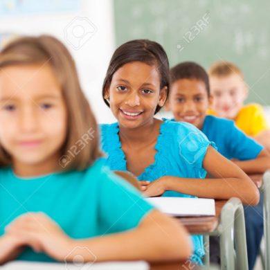 21191555-group-primary-school-students-in-classroom-Stock-Photo-school